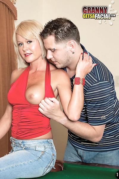 Hot older blonde woman Jenny..