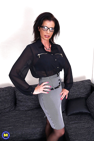 Cock hungry mature MILF..