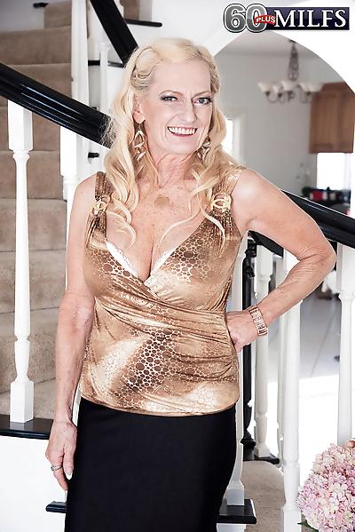 Horny grandma Layla Rose..