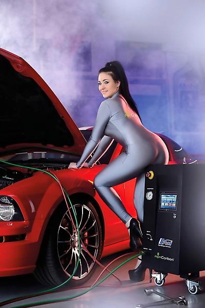 Mechanic girl Ilona Kondic..