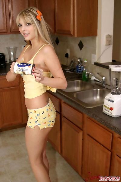 Blonde cutie Jana Jordan..